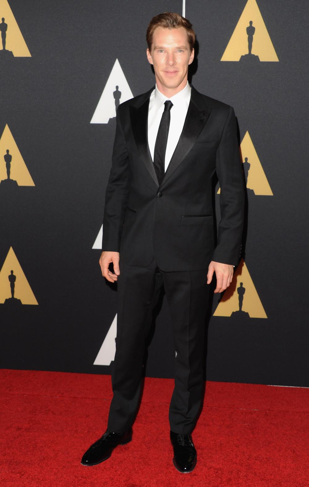 Benedict Cumberbatch é, provavelmente, o homem mais elegante da atualidade. É praticamente impossível vermos ele mal vestido. É só ver quantas vezes ele já passou por aqui. Dito isso, precisamos comentar o seu figurino dessa vez?