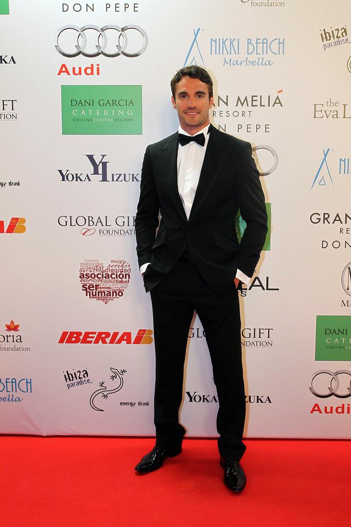 Thom+Evans+Red+Carpet+Global+Gift+Gala+LB19gMnmvipx.jpg