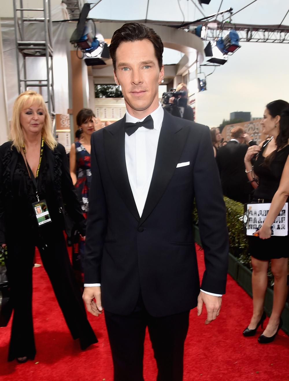 Considerado por muitos (inclusive por nós) como um dos homens mais bem vestidos do planeta, o inglês Benedict Cumberbatch também mostrou que na maioria das vezes a simplicidade é a melhor escolha. Seu smoking de lapela encorpada e lenço no bolso foi digno de prêmio, mesmo que o Globo de Ouro não tenha vindo dessa vez.