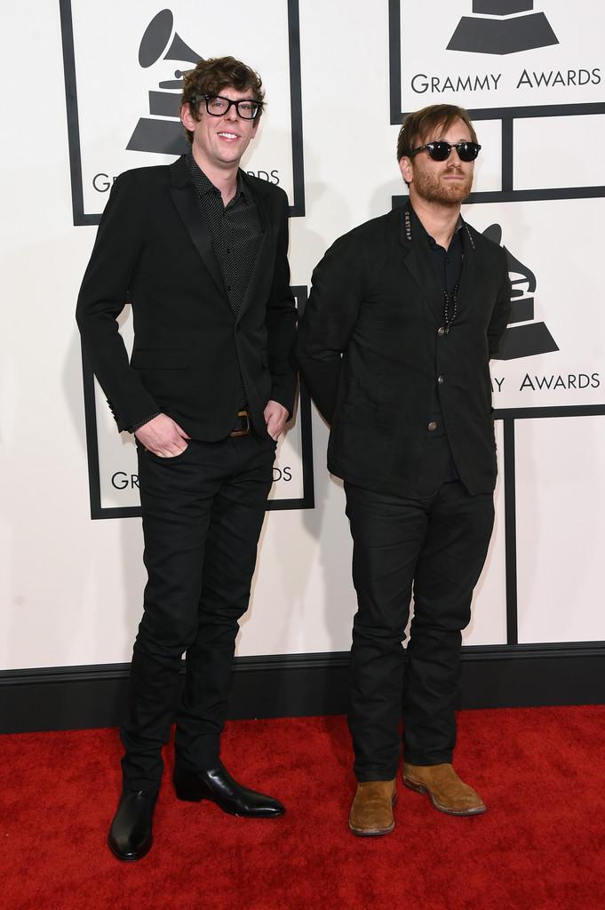 Black Keys é Black Keys. Patrick e Dan sabem mesmo se comportar em qualquer situação. Seja no palco, de frente para dezenas de milhares de pessoas, seja no tapete vermelho do principal prêmio da música do ano.
