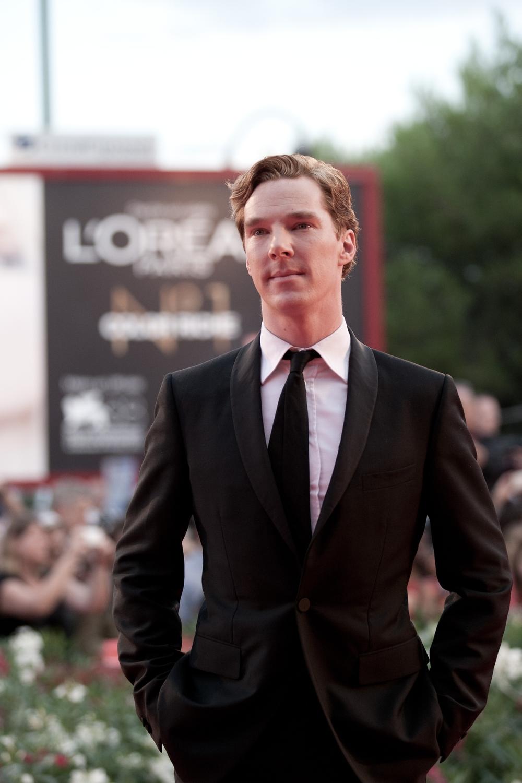 """Benedict Cumberbatch - """"O Jogo da Imitação"""" Quem nos acompanha há algum tempo, sabe do tamanho da nossa admiração por esse gentleman . Eleito o homem mais elegante de 2014 por diversos canais (inclusive  nós ), Benedict tem poucas chances de levar a estatueta para casa, apesar do seu excelente trabalho interpretando Alan Turing. De qualquer forma, o destaque pelo estilo já foi devidamente feito."""