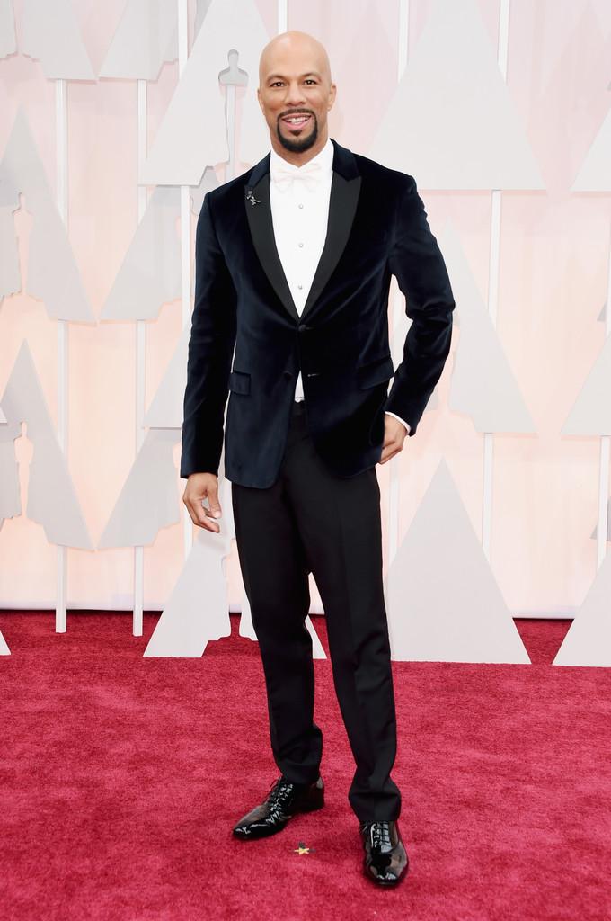 """O rapper/ator Common foi outro premiado na cerimônia. E não apenas pelo seu enorme talento na hora de vestir um blazer aveludado com tremendo estilo.Mas também pela sua música """"Glory"""", composta em parceria com o cantor John Legend parao filme """"Selma""""."""