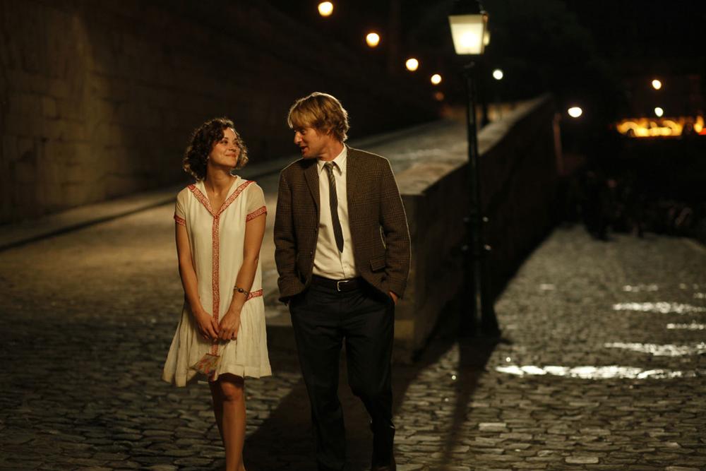 Meia-Noite em Paris. Um dos mais aclamados filmes recentes do mestre Woody Allen, é também uma bela referência de estilo. E não apenas pelo personagem de Owen Wilson. Não vamos falar mais para não estragar a história.