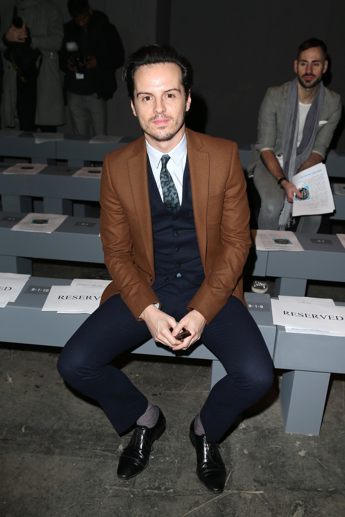 Andrew+Scott+Front+Row+London+Collections+SH8glZaEvmMx.jpg