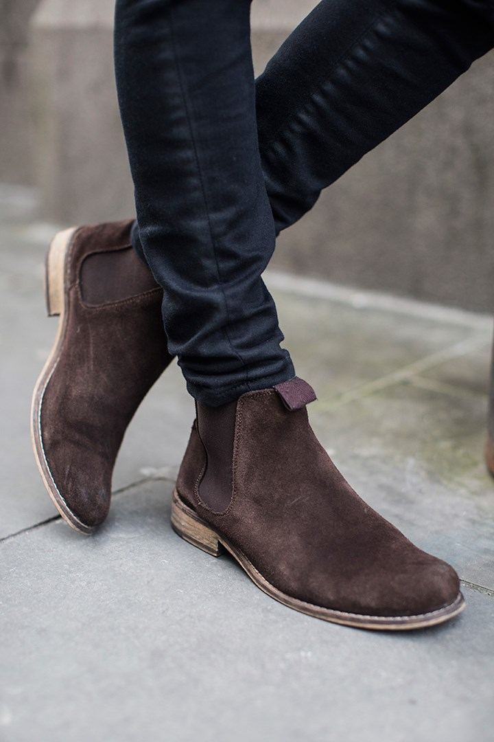 suede-chelsea-boots-skinny-pants-gq-californication-hank-moody.jpg