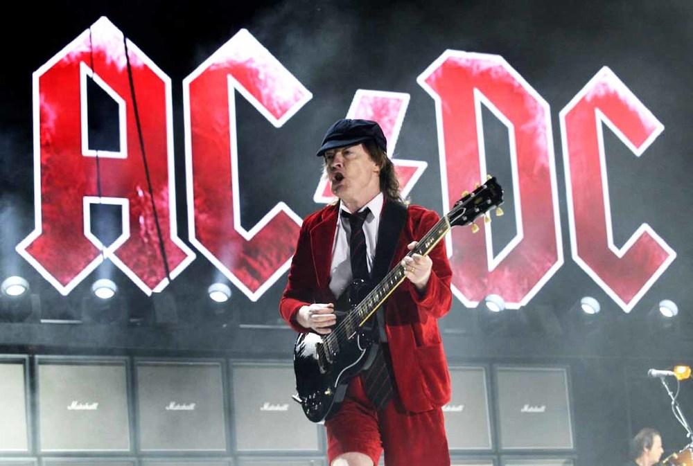 Principal nome no cartaz do festival, o AC/DC matou a saudade de milhares de fãs com aquela tradicional máquina de hits e riffs pesados. No estilo, talvez um dos guitarristas mais icônicos da história do rock possa explicar.