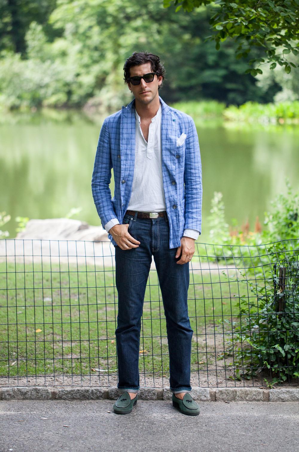 Antonio-Ciongoli-blue-blazer-dark-denim-lookbook-menswear.jpg