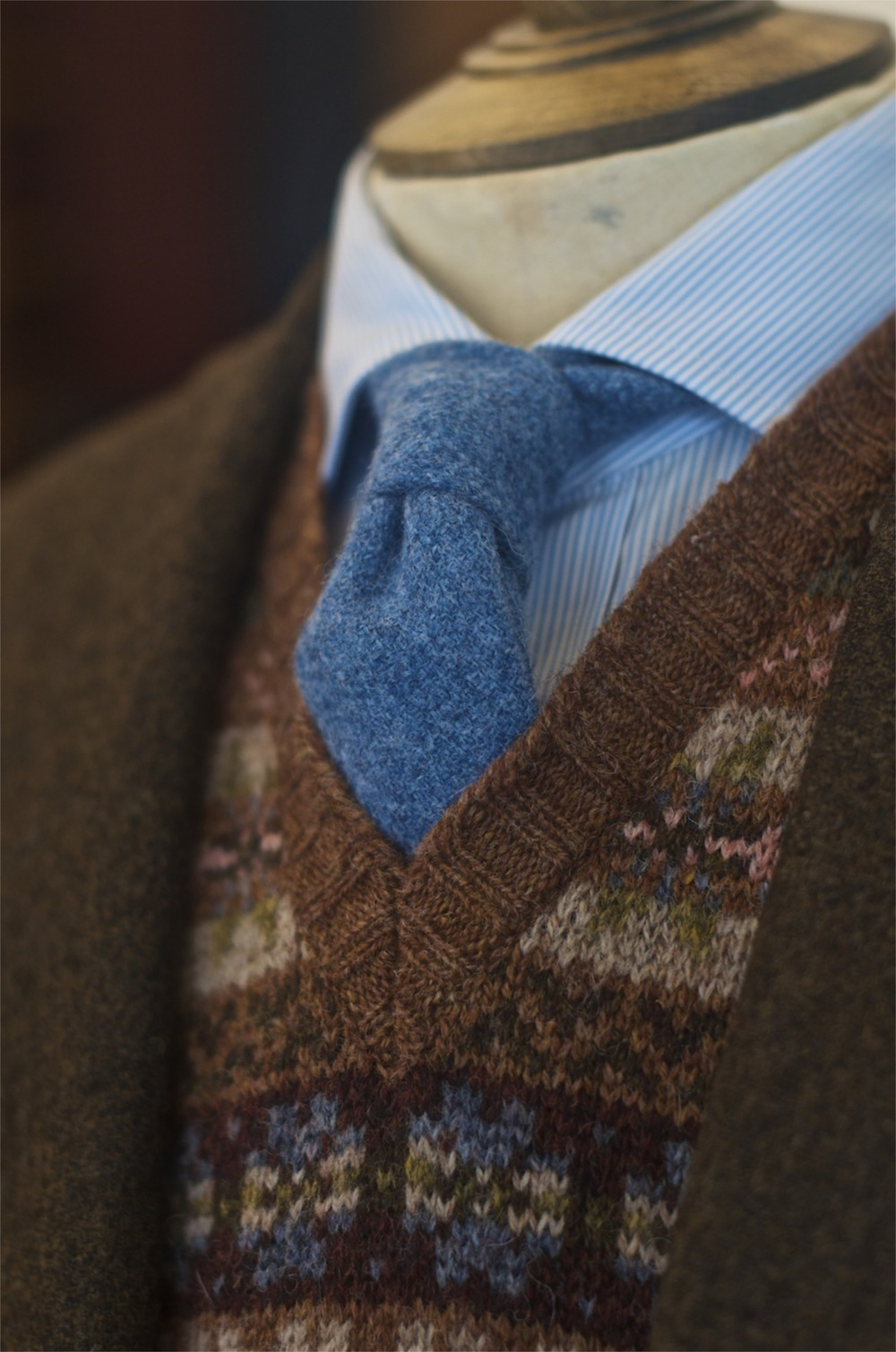 Fairisle-Sleeveless-Pullover-×-Blue-Wool-Tie-drakes.jpg