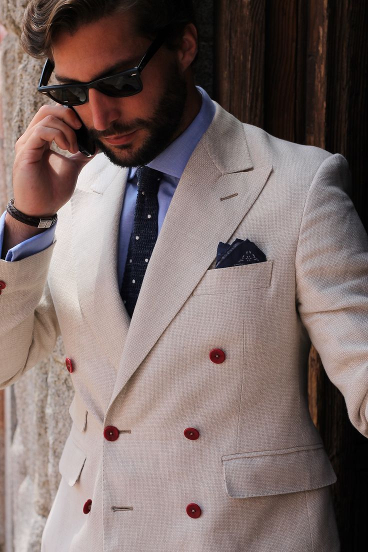double-breasted-blazer-dress-shirt-tie-pocket-square-sunglasses-original-6265.jpg