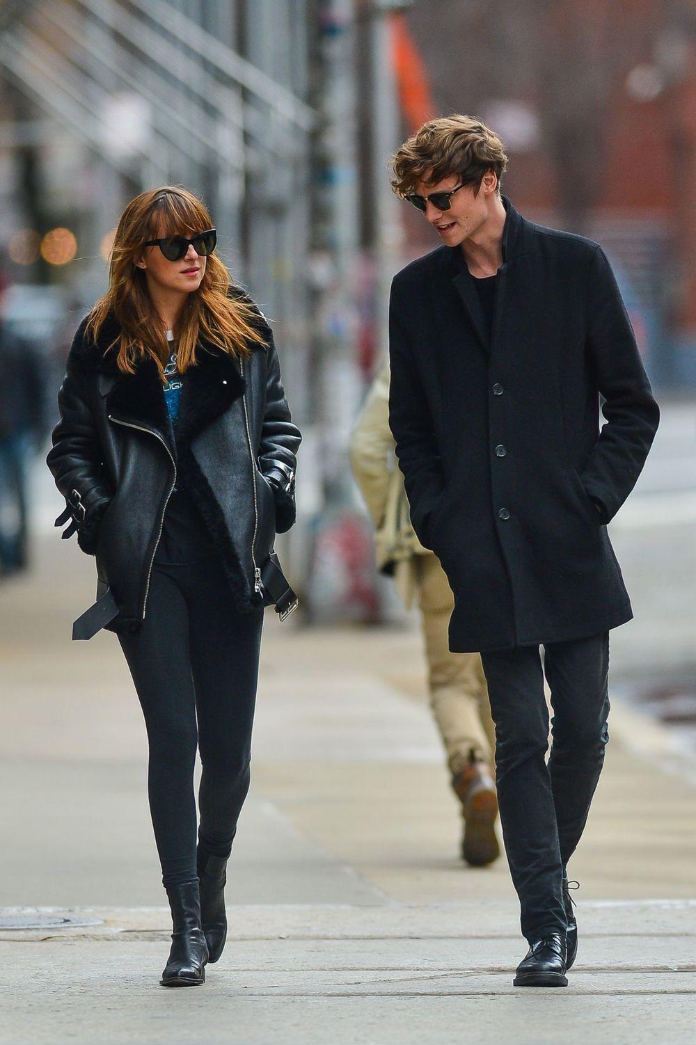 dakota-johnson-and-boyfriend-matthew-hitt-la-colombe-cafe-in-new-york-dec.-2014_4.jpg