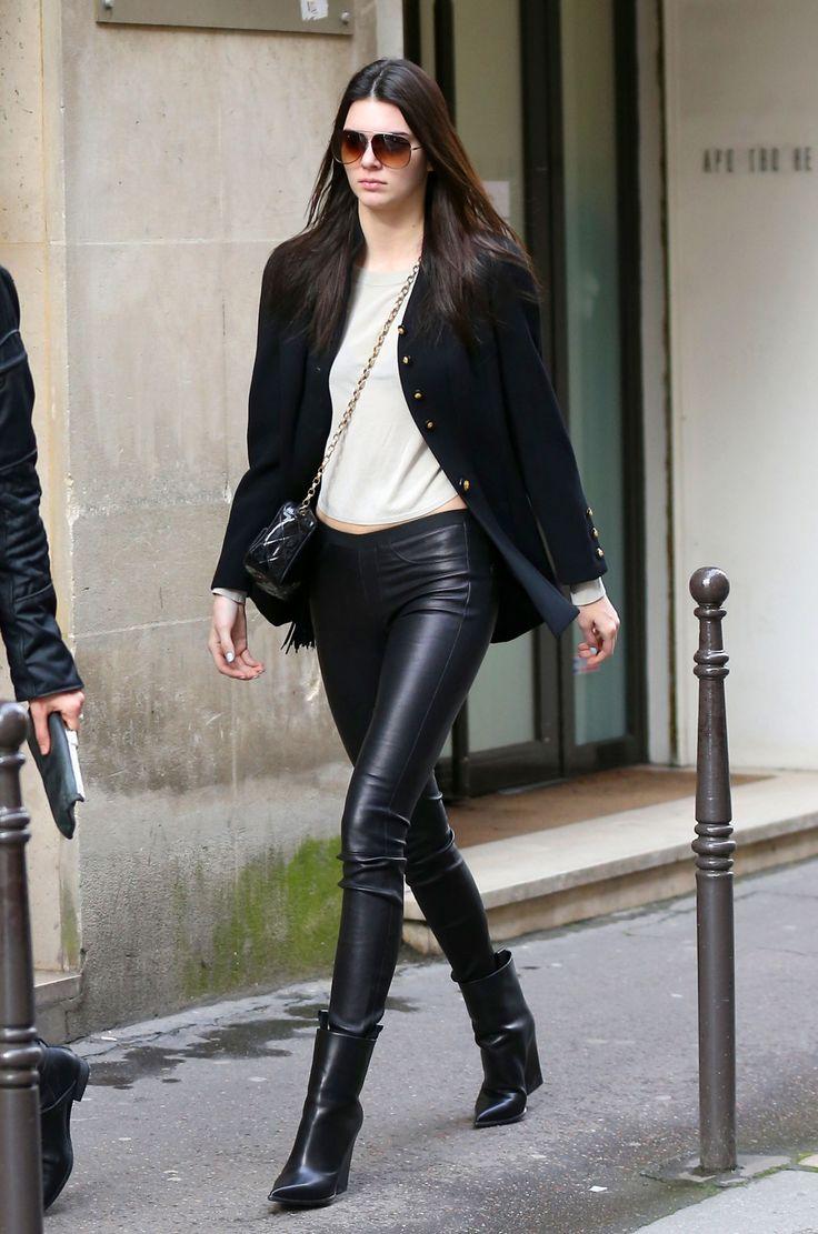 Kendall Jenner ara muitos, a irmã mais interessante do núcleo Kardashian/Jenner. Modelo profissional há alguns anos, Kendall já coleciona desfiles e editoriais para as principais grifes do mundo. E a julgar pelo bom gosto na hora de se vestir, é tudo merecido.