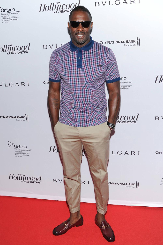 Idris Elba Há quem aposte nele como o próximo James Bond. E a julgar pela elegância, o papel estará em ótimas mãos. Idris Elba é uma mistura da alfaiataria tradicional britânica com a cultura hip-hop dos anos atuais. Uma mistura que deu muito certo, diga-se de passagem.