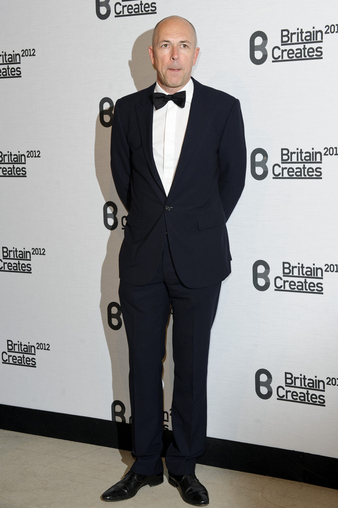 Dylan+Jones+Britain+Creates+2012+Fashion+Art+NIIrXxYuoK-x.jpg