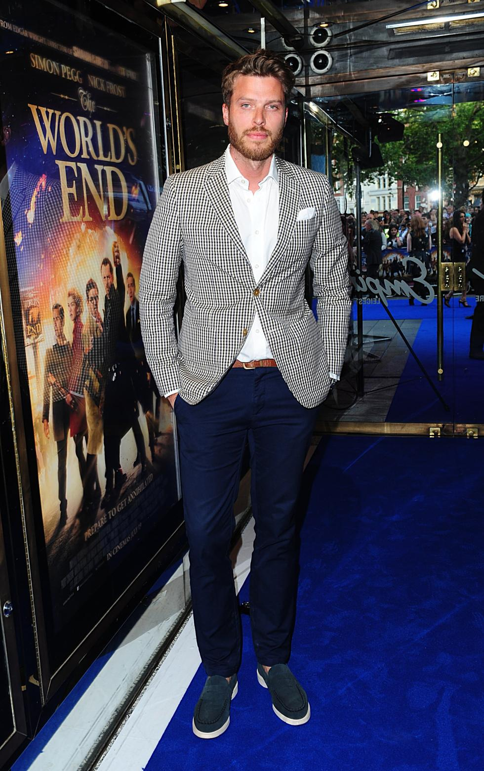 gallery_movies-the-worlds-end-premiere-rick-edwards.jpg