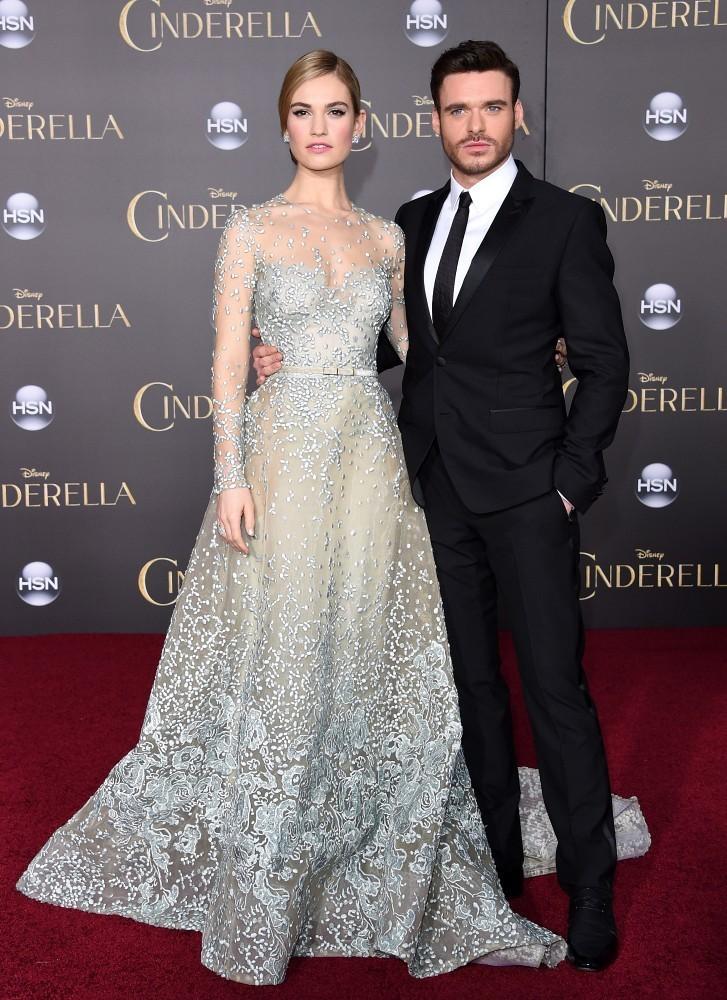 Richard+Madden+Cinderella+Premieres+Hollywood+bM7Gkn9XygRx.jpg