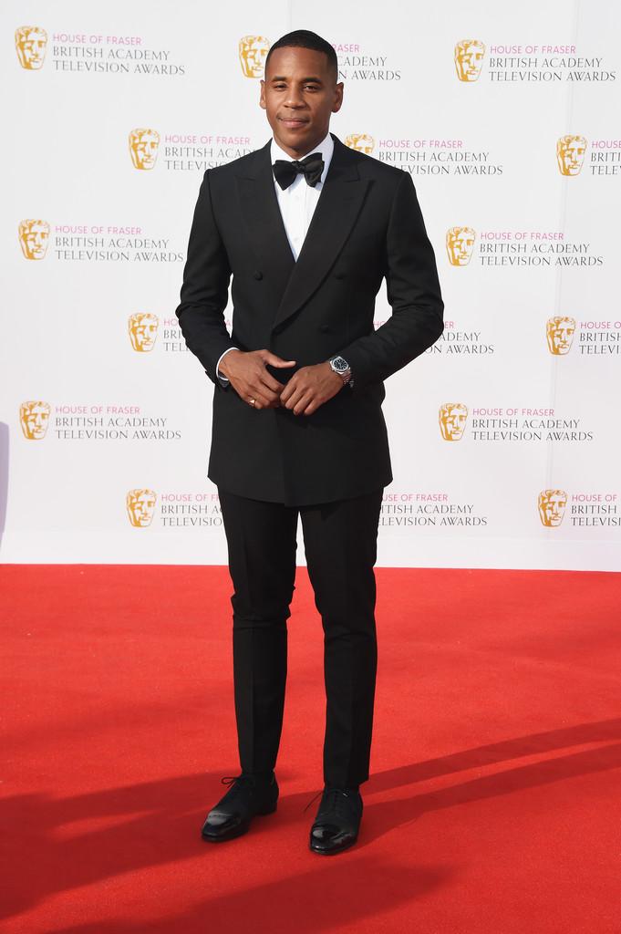 Reggie Yates O jovem ator britânico foi definitivamente um dos destaques da cerimônia. O blazer transpassado com lapela em ponta e com as medidas perfeitas, foi uma excelente escolha para sair do comum com muita elegância.