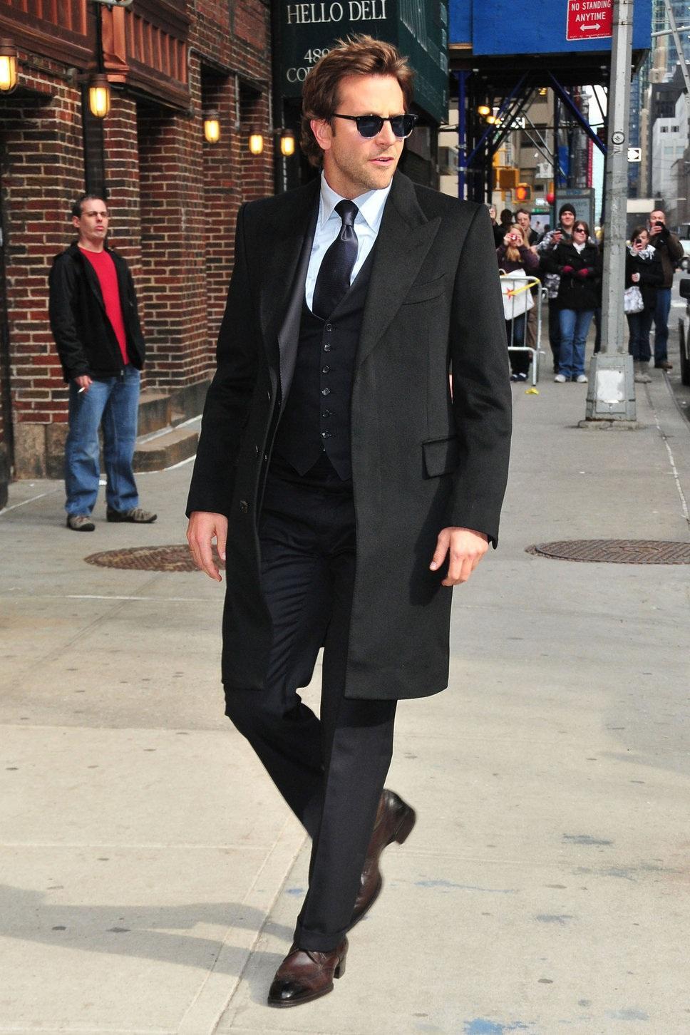 bradley-cooper-black-coat-sung-fashion-634378088.jpg