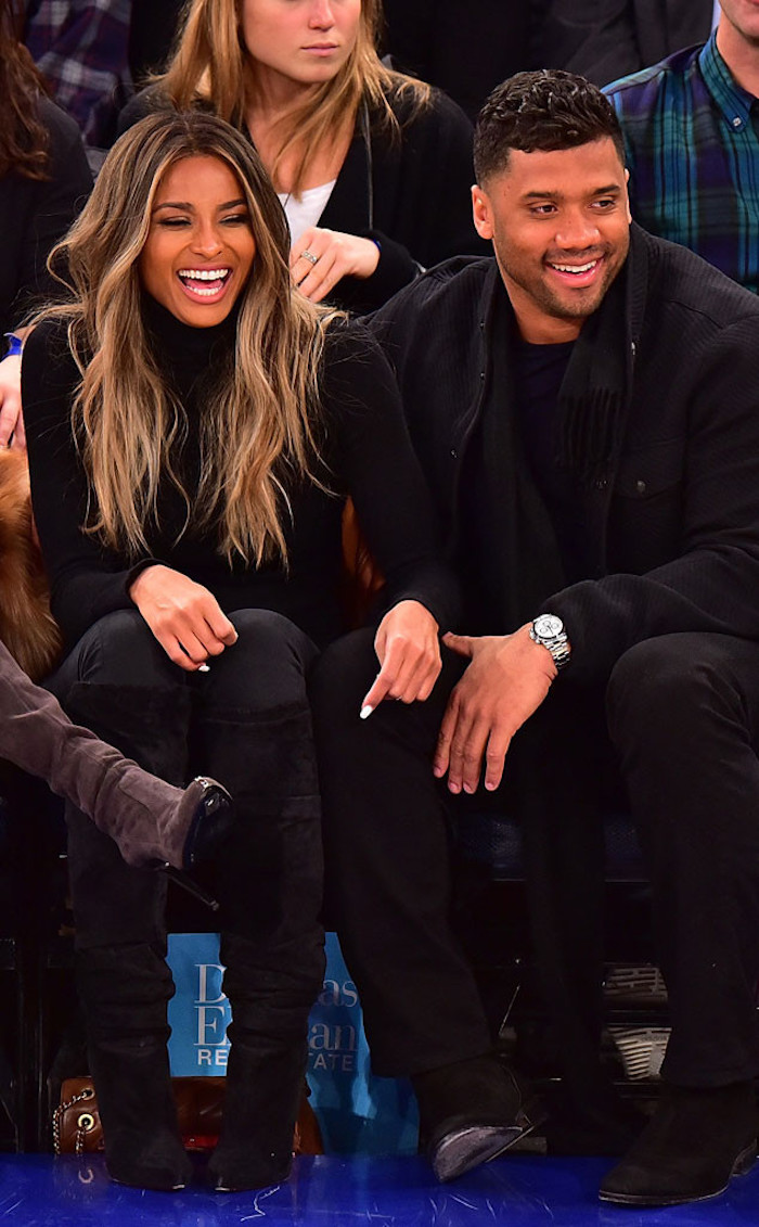 Cute-couple-Ciara-and-Russell-Wilson-shared-laughs-at-the-New-York-Knicks-vs.-Washington-Wizards-basketball-game-in-NYC..jpg
