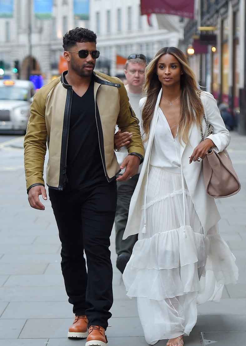 ciara-flashes-wedding-ring-while-shopping-with-russell-wilson-05.jpg