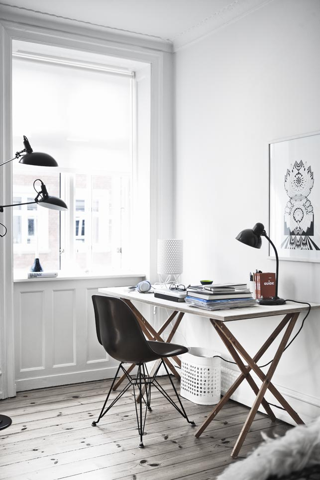 Warm-and-Inviting-Nørrebro-Apartment-with-Fab-Vintage-Finds_3.jpg