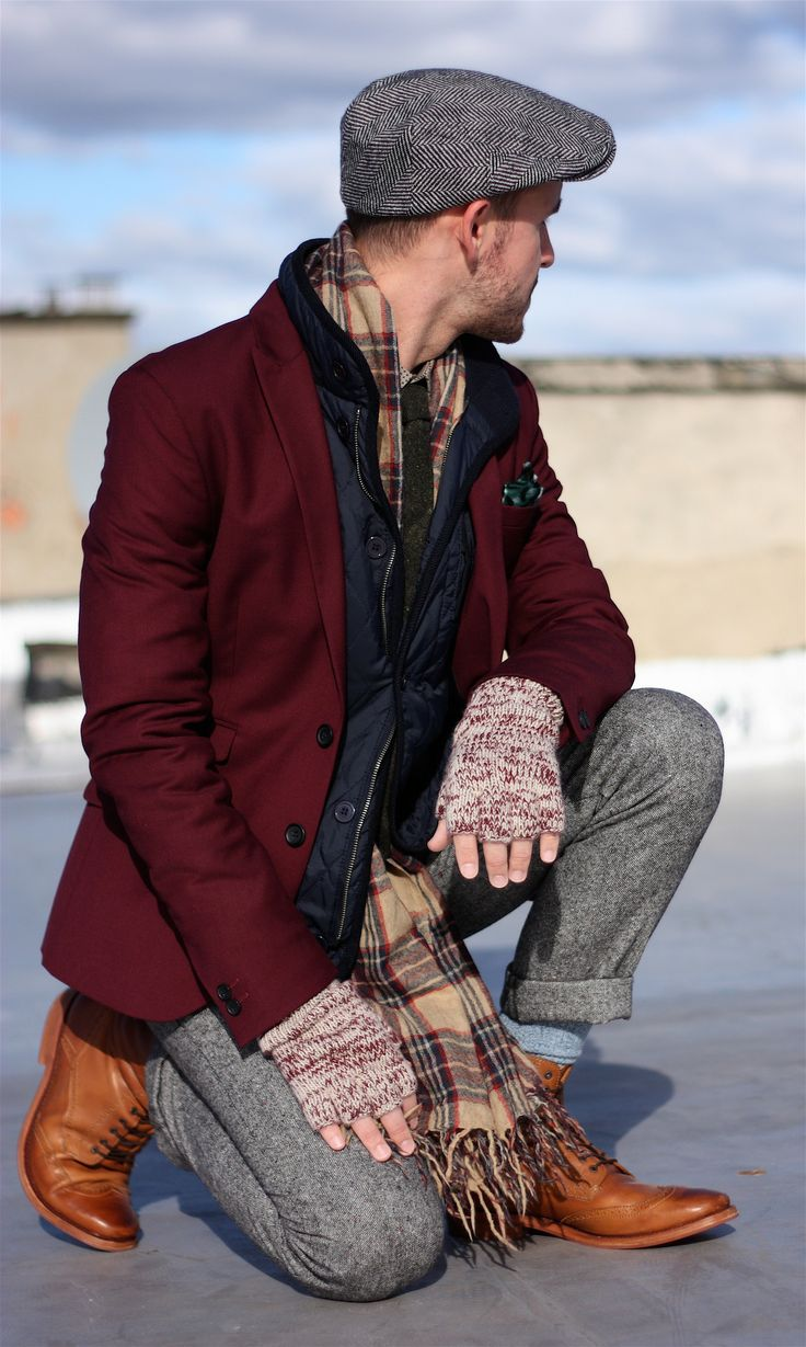 gilet-blazer-dress-pants-brogue-boots-flat-cap-tie-pocket-square-scarf-gloves-socks-original-4381.jpg