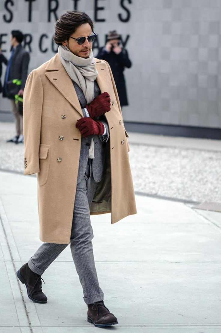 overcoat-suit-desert-boots-scarf-gloves-original-3866.jpg