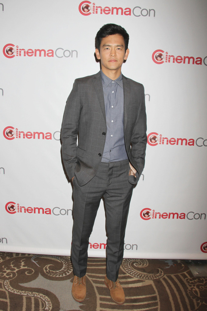 John+Cho+CinemaCon+Opening+Night+Las+Vegas+qbKO1wnjF-7x.jpg