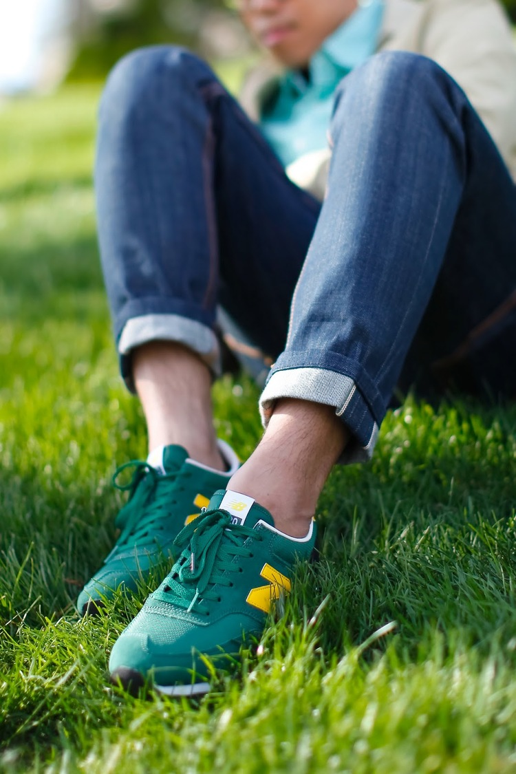 green-new-balance-sockless-jeans.jpg