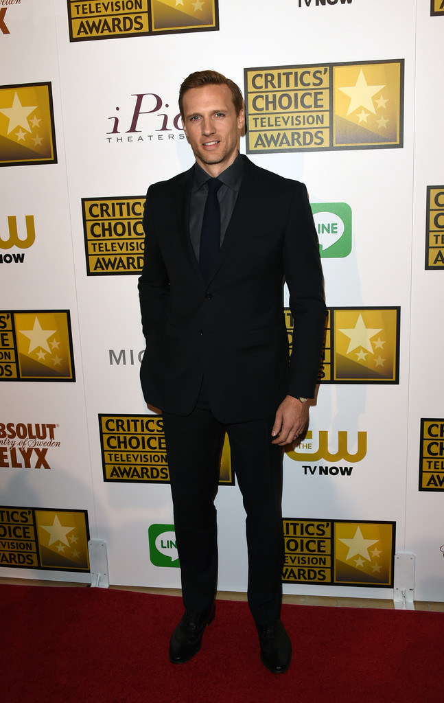 Teddy+Sears+Arrivals+Critics+Choice+Television+N-CoCFqpYR8x.jpg