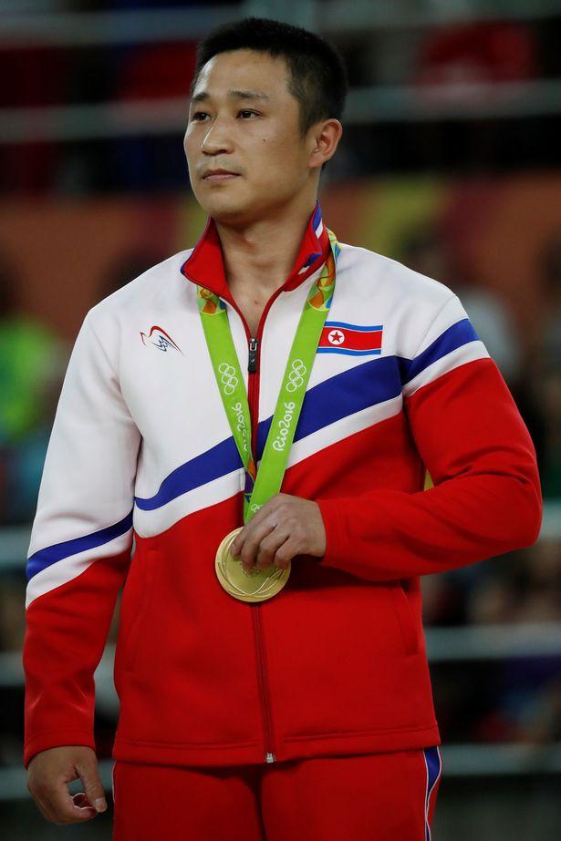 Coréia do Norte Imprimindo as cores da bandeira no uniforme, os norte-coreanos também foram destaque. Simples, sem grandes estampas ou exageros de informação, esse uniforme adentra a galeria dos mais legais dos Jogos.
