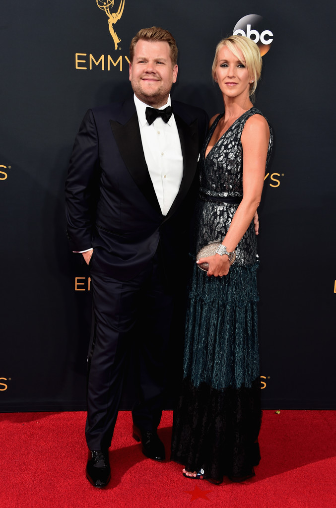 O elegante apresentador inglês manteve o seu alto nível ao desfilar pelo tapete vermelho do Emmy Awards. Provavelmente contando com um alfaiate talentoso,James Corden desmistifica aquela ideia de que para ser elegante é preciso ser magro.