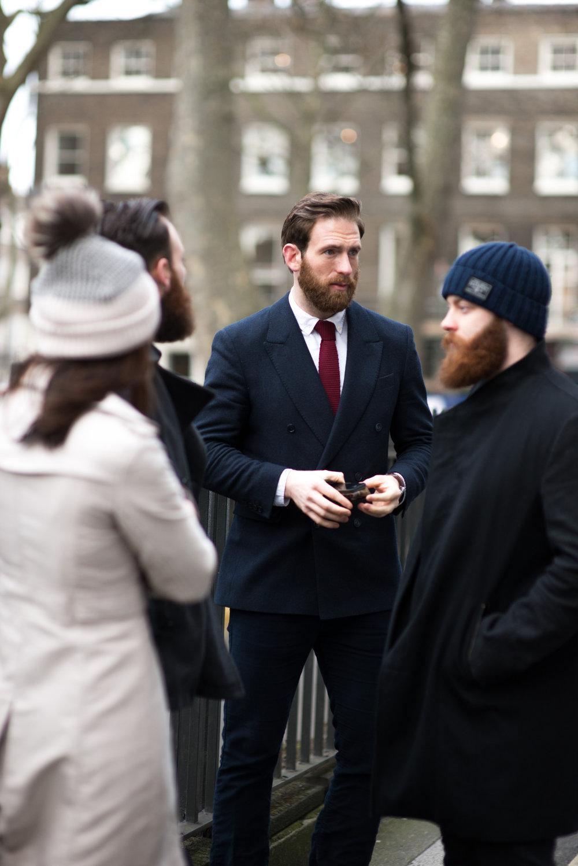 Craig McGinlay  é um ex-jogador de rugby da seleção da Escócia que hoje se dedica as carreiras de modelo e ator. Tudo isso enquanto comparece a alguns dos principais eventos de moda ao redor do mundo. Seus trajes são sempre muito bem cortados e em perfeita sintonia com os acessórios. O destaque, claro, vai para a barba perfeitamente cultivada.