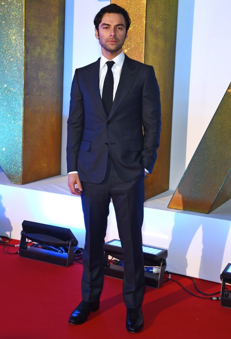 Aidan-Turner-2016-Style-Dunhill-British-National-Television-Awards-002-800x1170.jpg