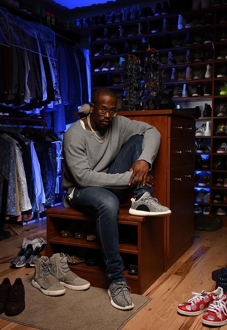 Von Miller Conhecido por sua proximidade com o mundo da moda, o  linebacker do Denver Broncos seguidamente aparece em matérias em revistas e sites de moda, sempre demonstrando total conhecimento das tendências e principais lições de estilo.
