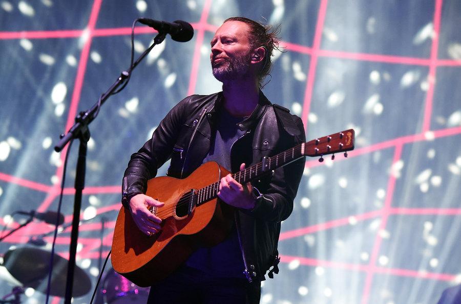 Radiohead No papel de  headliner do evento, Thom Yorke e cia. dispararam os hits clássicos da banda. No visual, o já tradicional coque com jaqueta de couro. Discreto, original e um bom gosto que extrapola a parte musical.