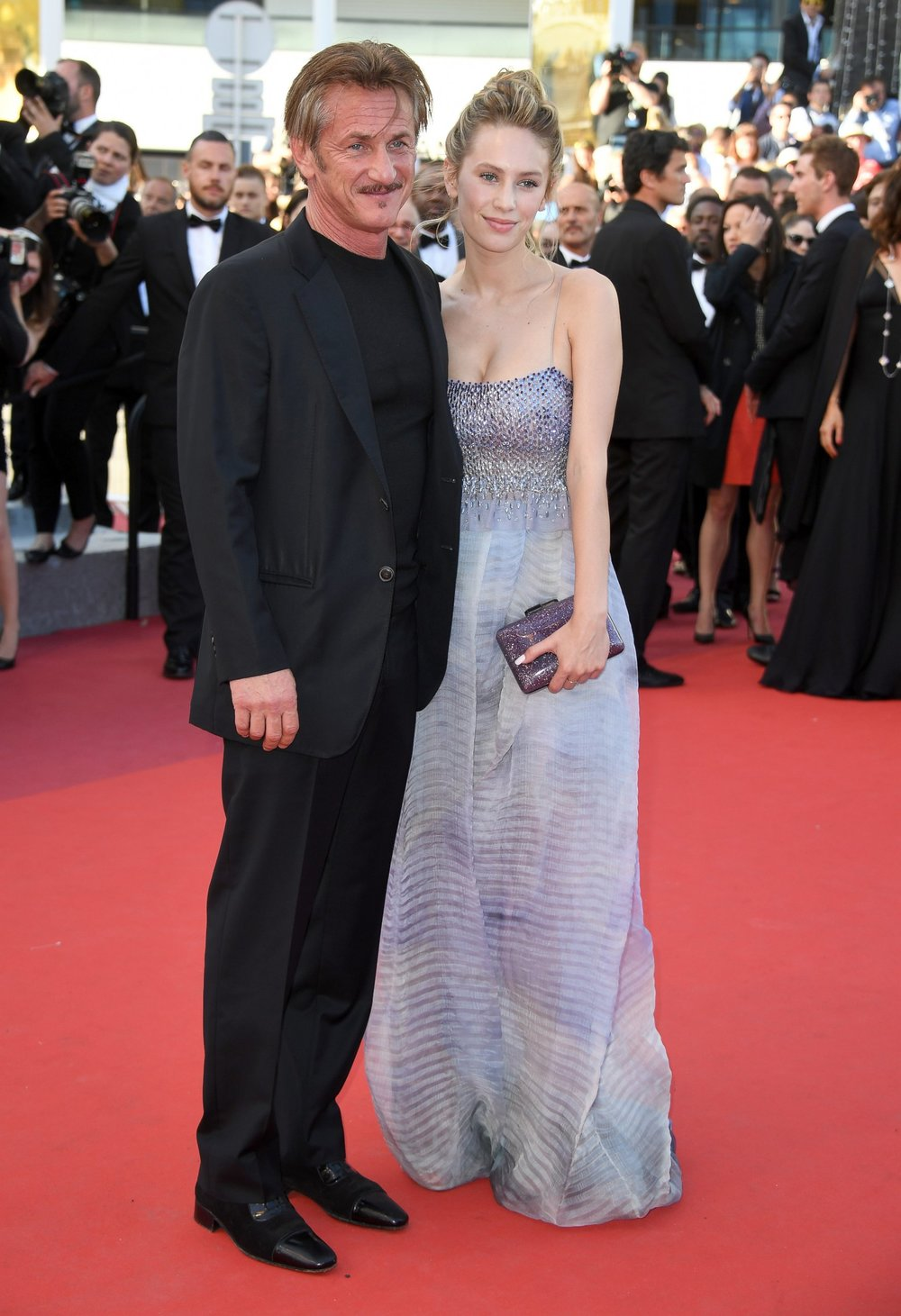 GTY_sean_penn_daughter_cannes_hb_160520.jpg