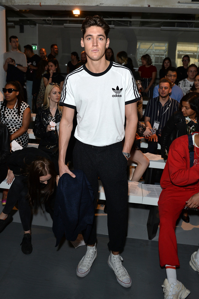 Isaac+Carew+Front+Row+Arrivals+Day+3+LFWM+CzmHAh1ALzJx.jpg