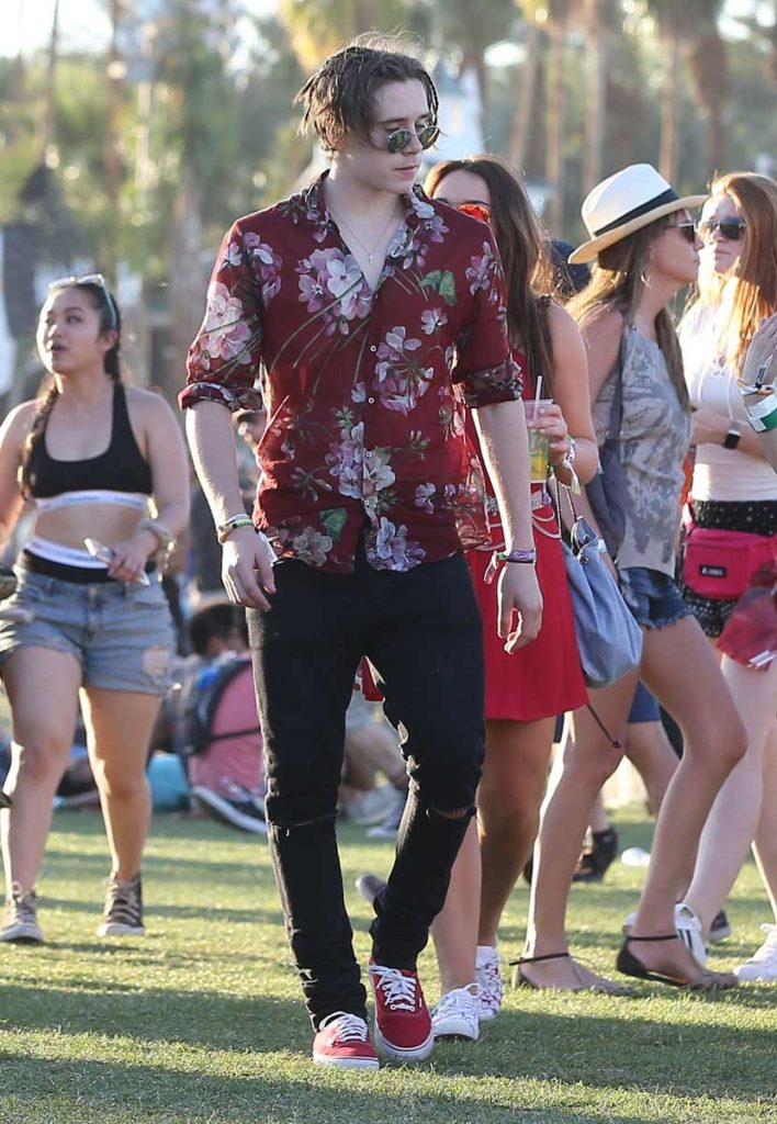 brooklyn-beckham-coachella-708x1024.jpg