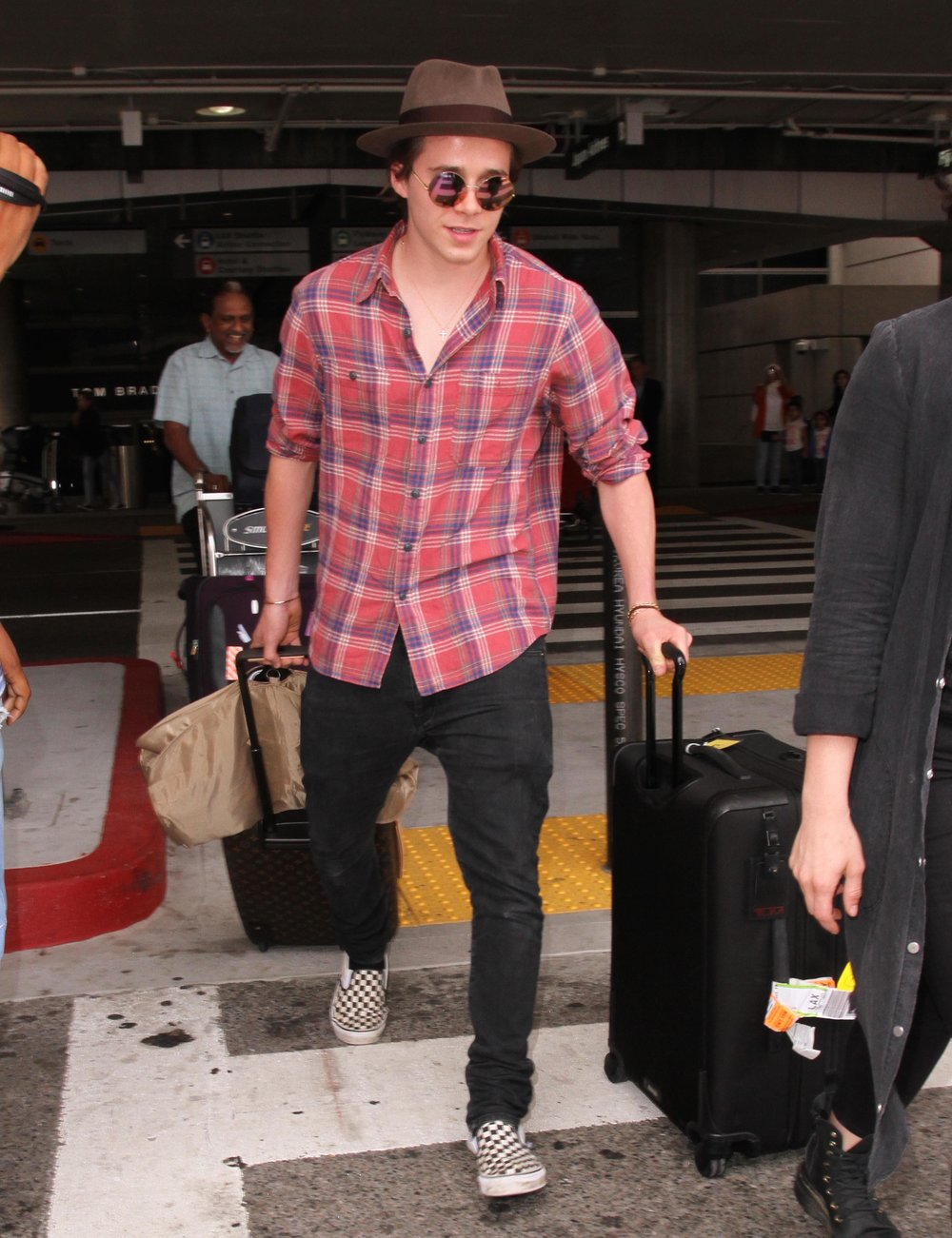 brooklyn-beckham-airport-style.jpg