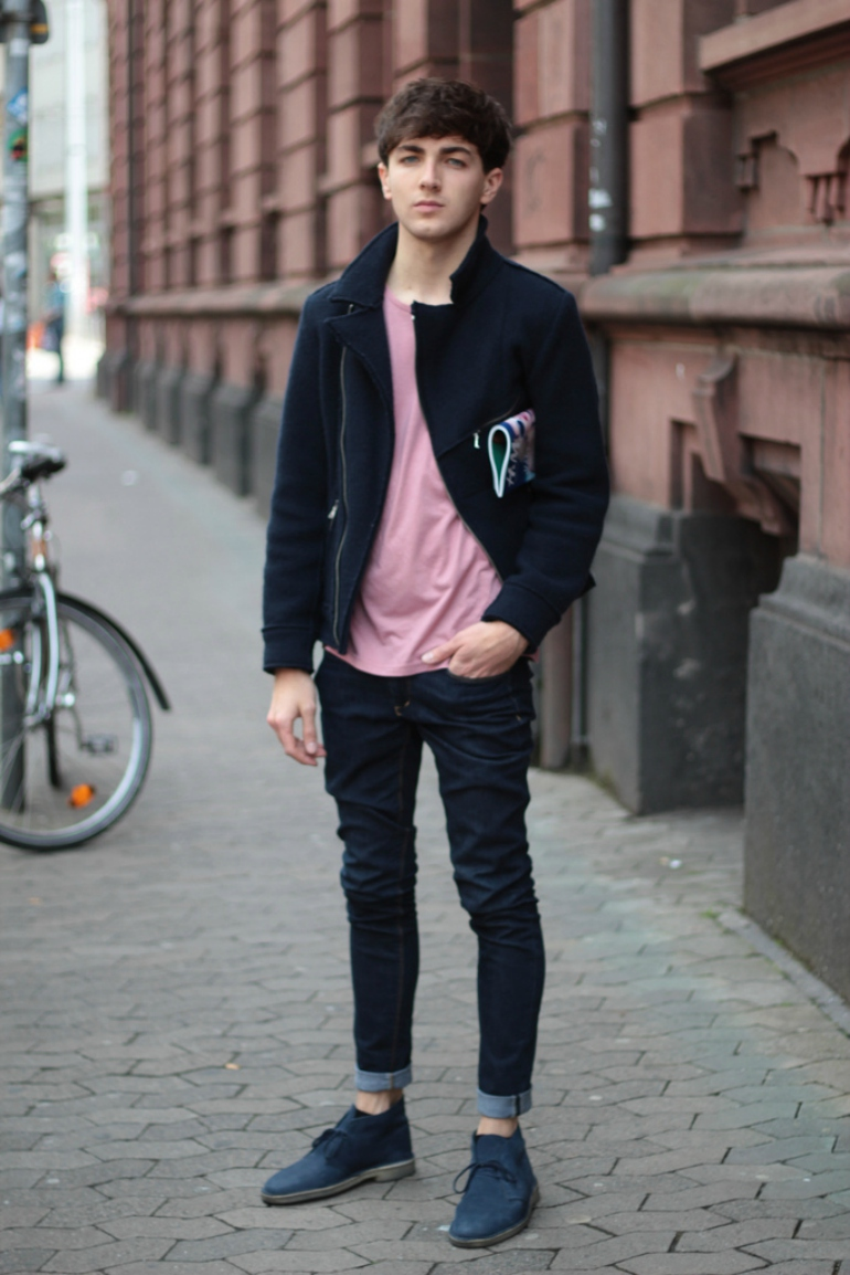 pink-t-shirt-for-men-how-to-wear-pink-for-men-street-style.jpg