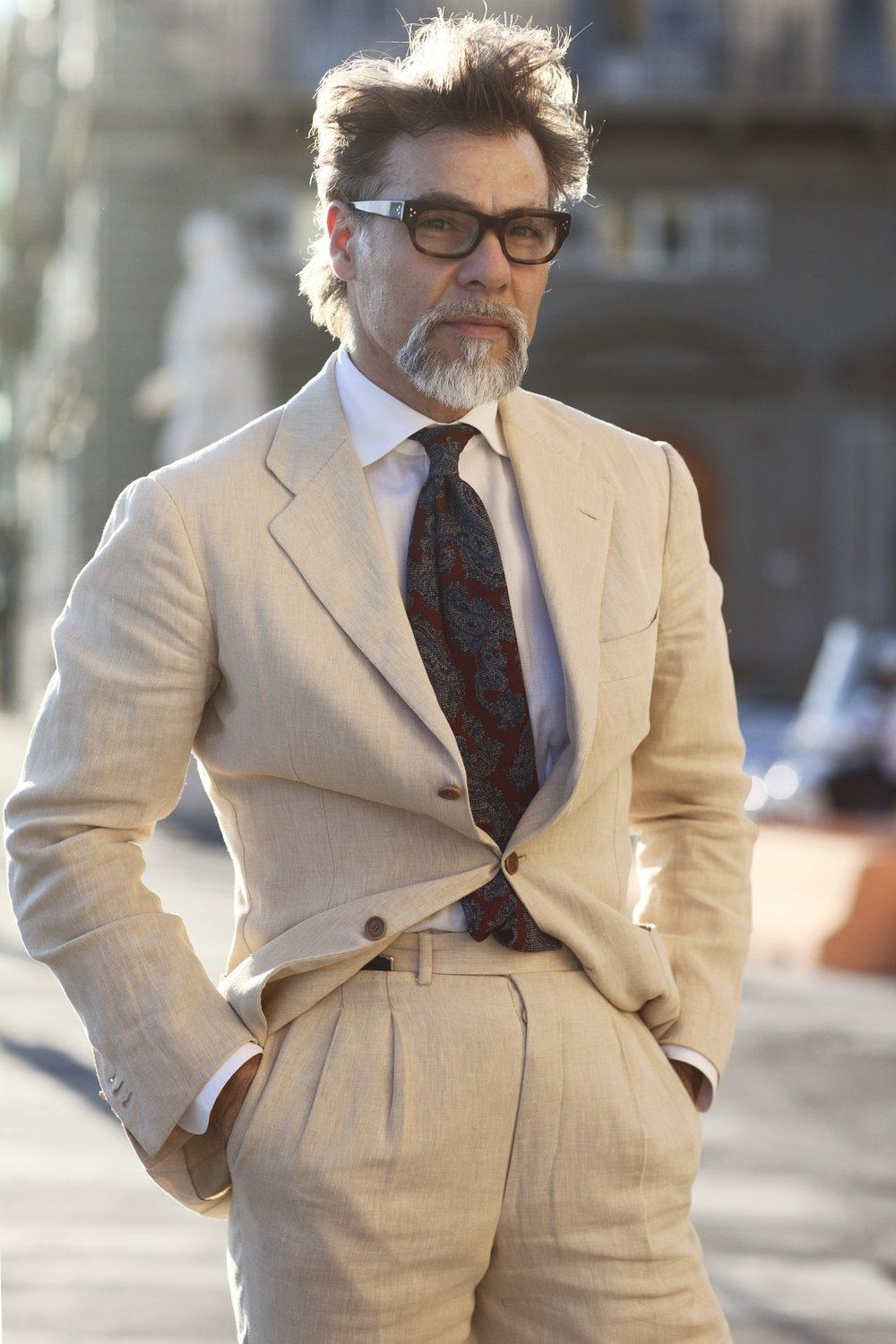 Simone-Righi-frasi-glasses-linen-suit-suit-menswear-streetstyle-icon-fashion-florence.jpg