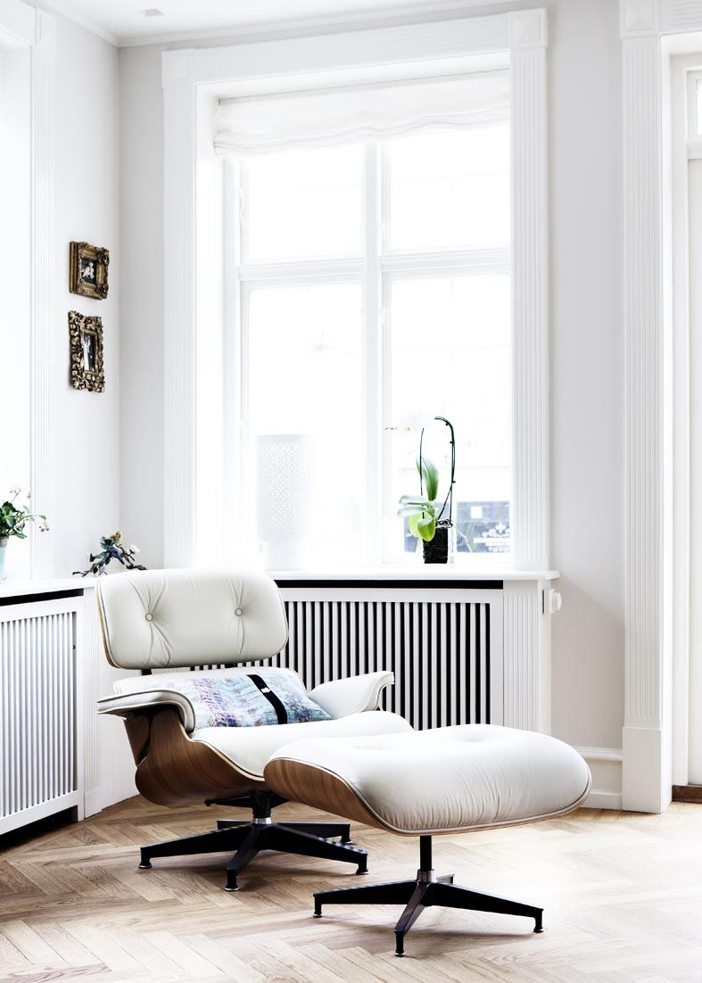 Eames-Lounge-Chair-in-White.jpg