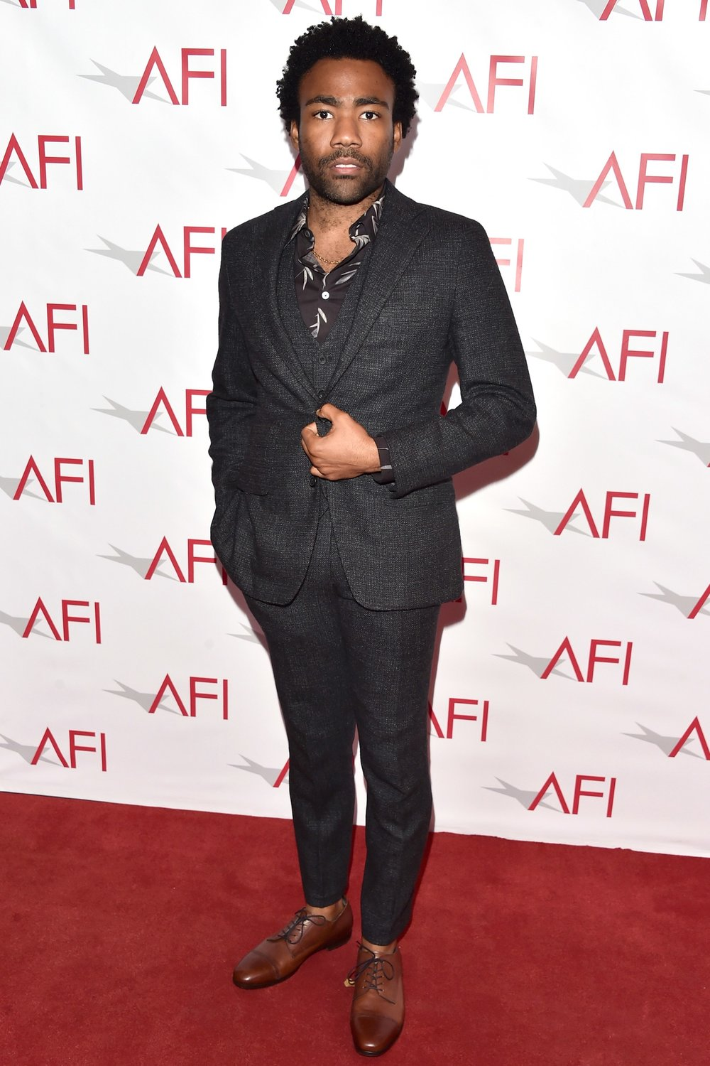 best-dressed-men-of-the-week-1-7-16-donald-glover.jpg