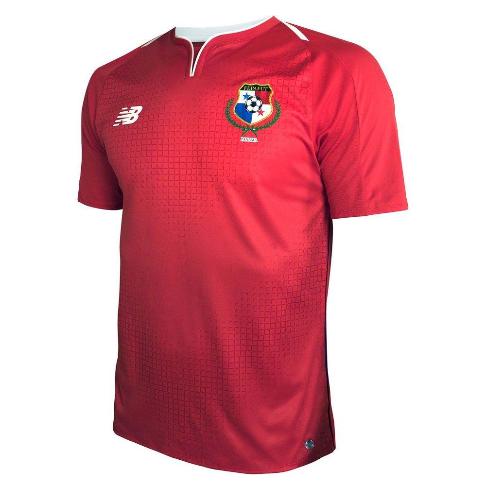 Panamá - titular No papel de coadjuvante no torneio, a seleção panamenha foi mais uma que investiu no vermelho com alguns grafismos e padronagens de tons semelhantes. Escolha acertada.