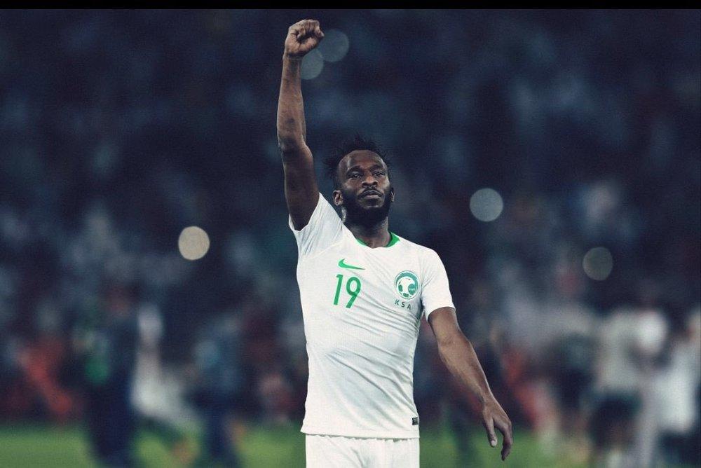 Arábia Saudita - titular Minimalista, combinando as duas cores da bandeira: verde e branco. Por mais azarão que seja, o time árabe vai estar bem vestido no torneio.
