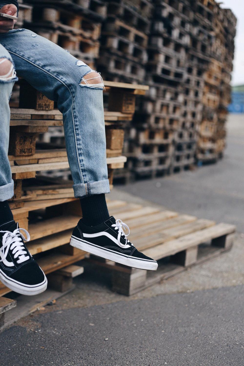 vans-old-skool-long-socks.jpg