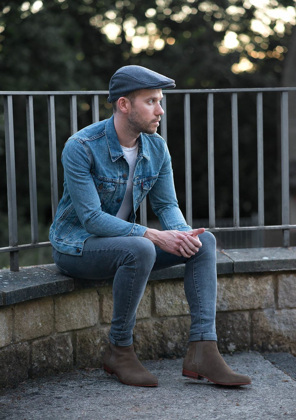 Mens-Fashion-Blogger-Levis-Light-Blue-Denim-Jacket-Chelsea-Boots-3.jpg