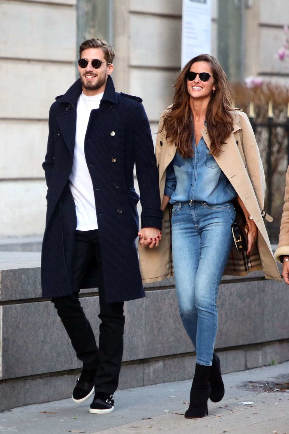 Izabel-Goulart-and-Kevin-Trapp-out-in-Paris--02.jpg