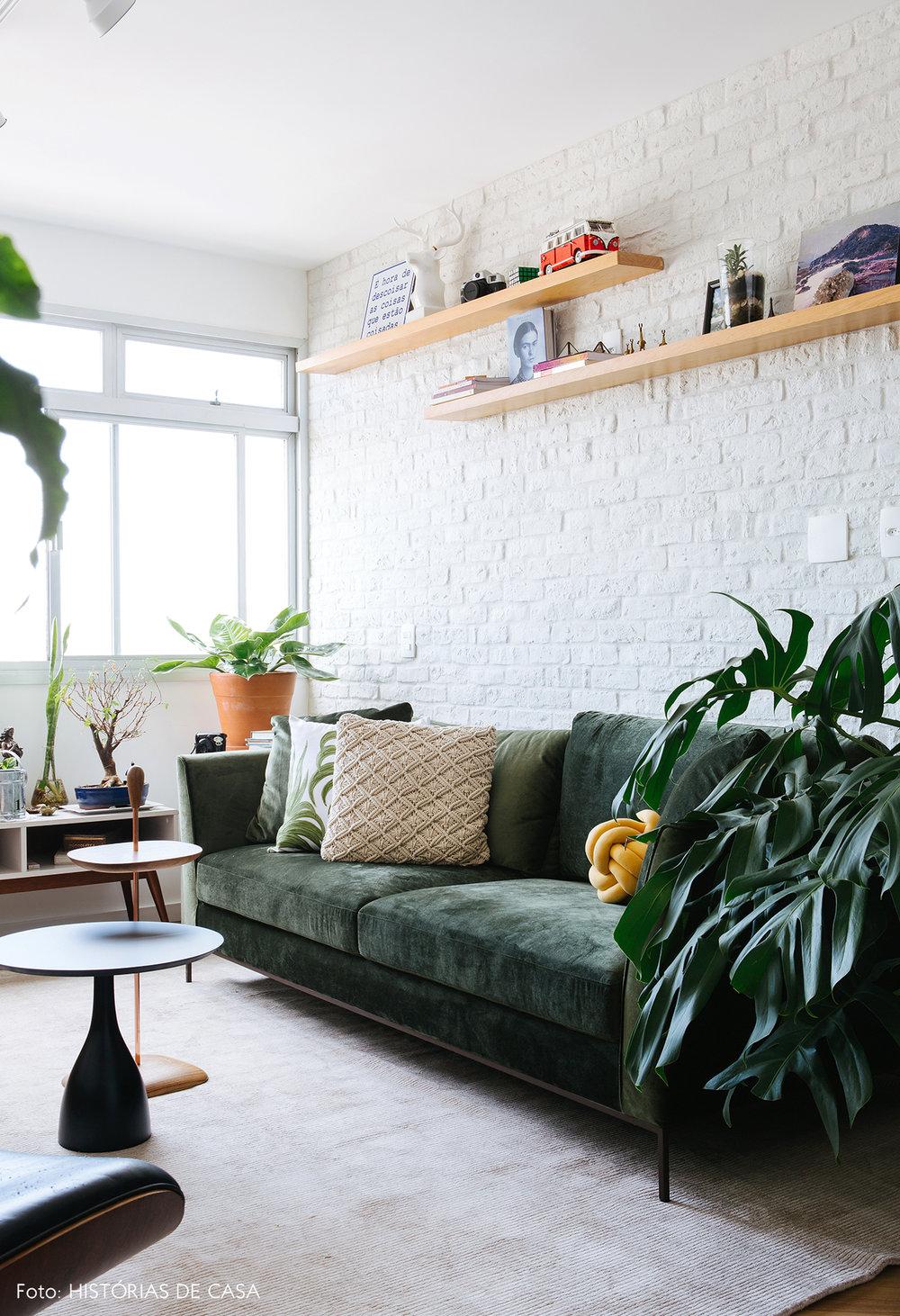 40-decoracao-apartamento-sala-sofa-veludo-verde.jpg