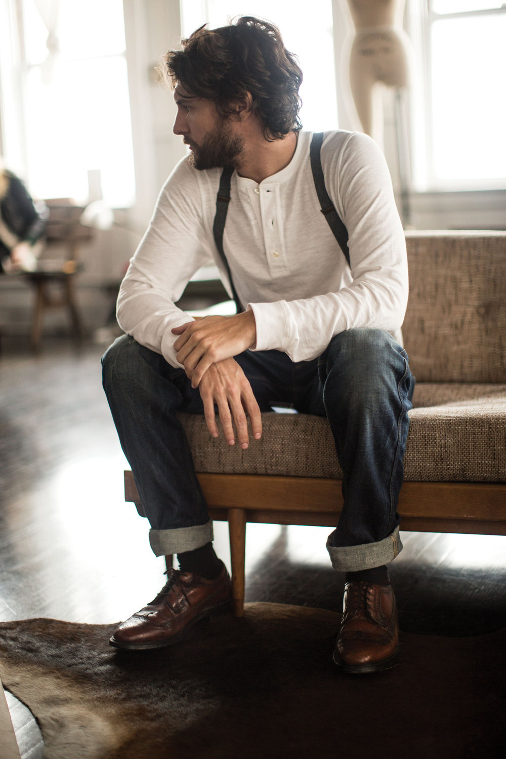 white-henley-shirt-navy-jeans-brown-leather-brogues-original-491.jpg